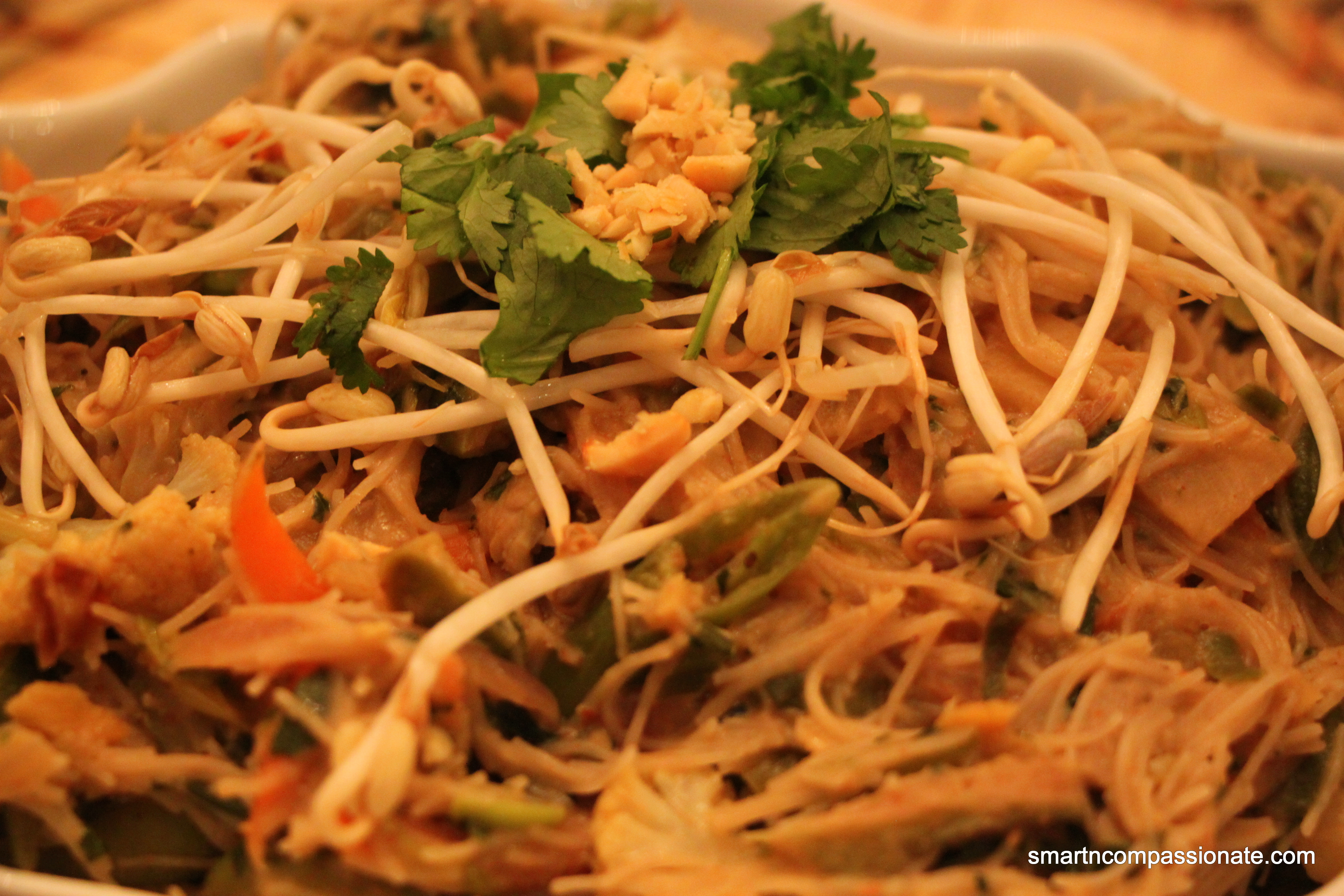 Brown rice noodles with spicy peanut sauce - Smart N ...