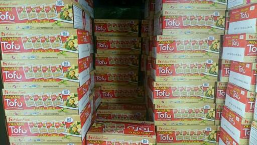Organic firm and soft tofu